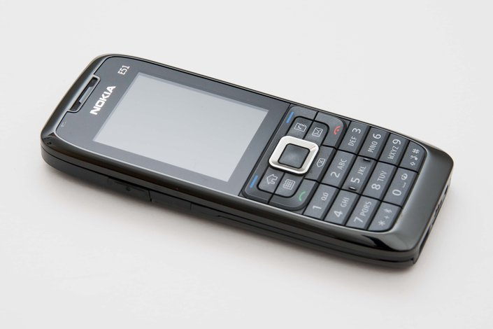 Вторник, Сентябрь 30, 2014. Nokia E51 Smartphone. Телефоны и связь